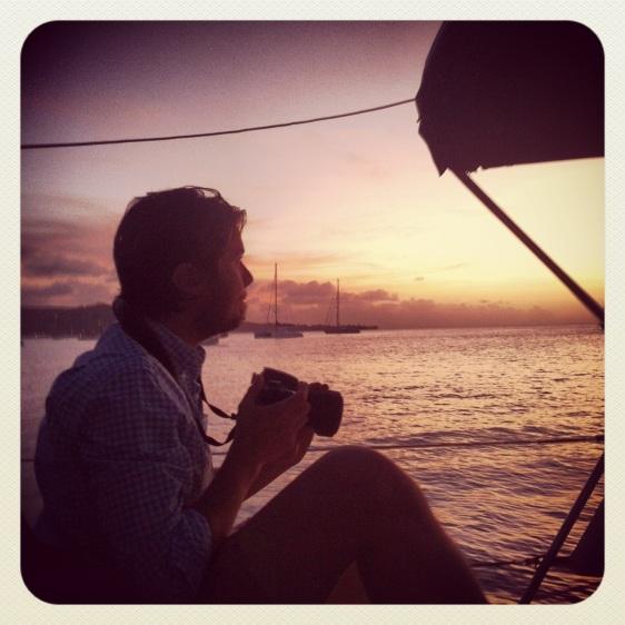 Erik fotar solnedgång
