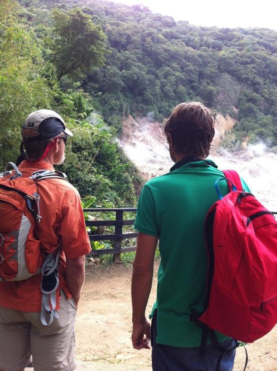 Utflykt till vulkanen - stark lukt av svavel