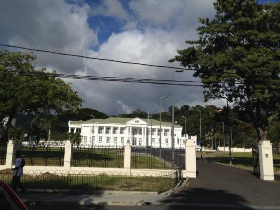 Härifrån styrs det lilla landet Dominica