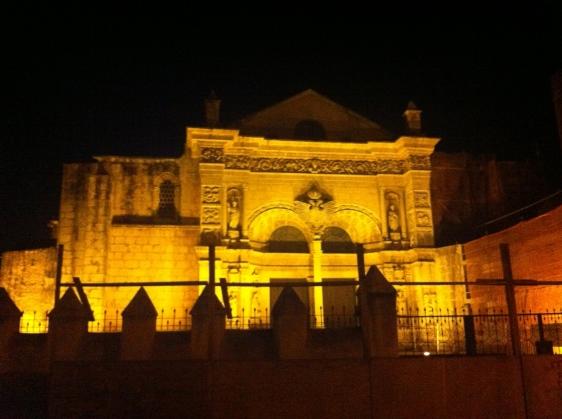 Den gamla katedralen i Colonial